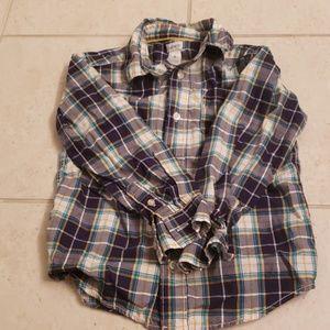 Carter's boys shirt. Size 6.